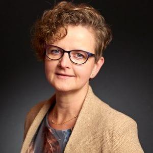 Hetty van Beusekom - Brons - Administratief medewerker - BV